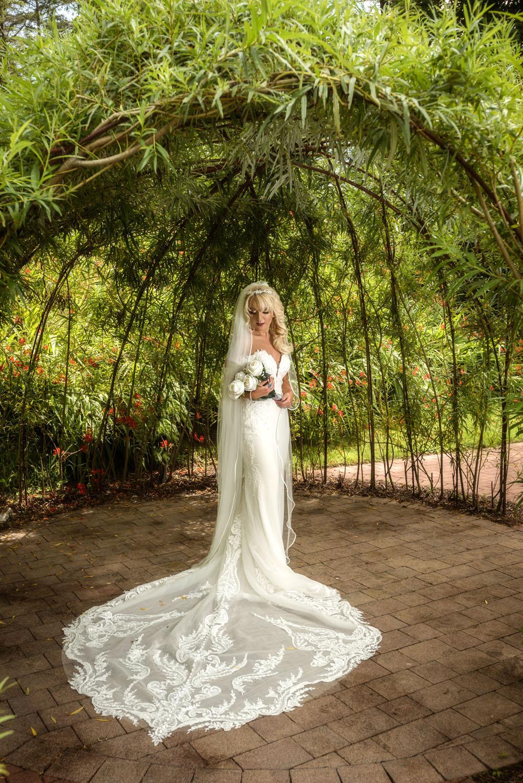 003_Bride-in-an-Irish-Garden