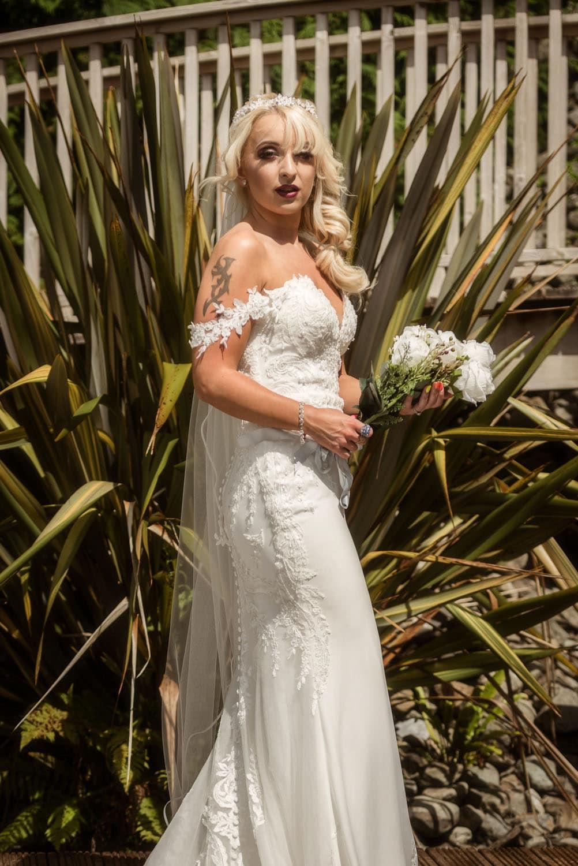 009_Bride-in-an-Irish-Garden