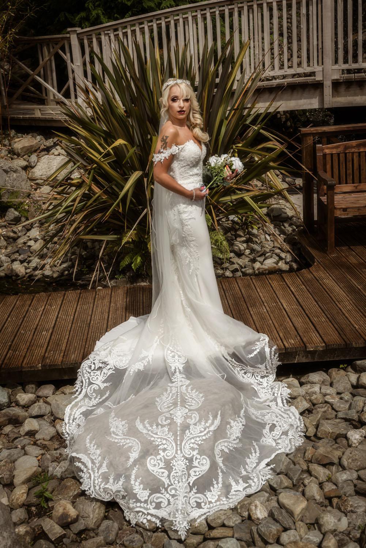 015_Wedding-Dress-Photoshoot