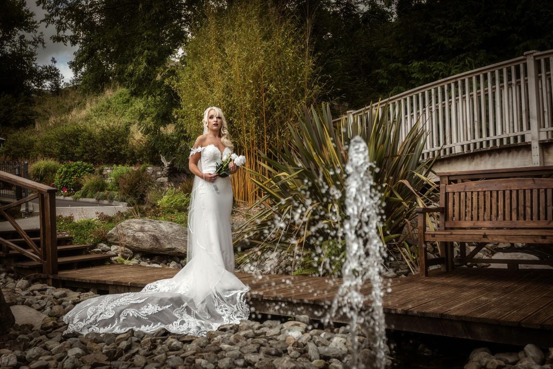 016_Bride-in-an-Irish-Gardenjpg