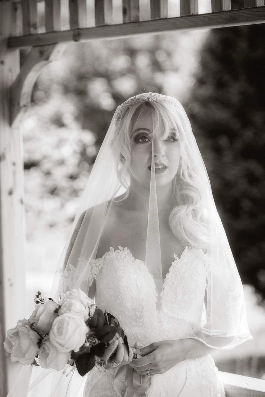 030a_Wedding-Dress-Photoshoot
