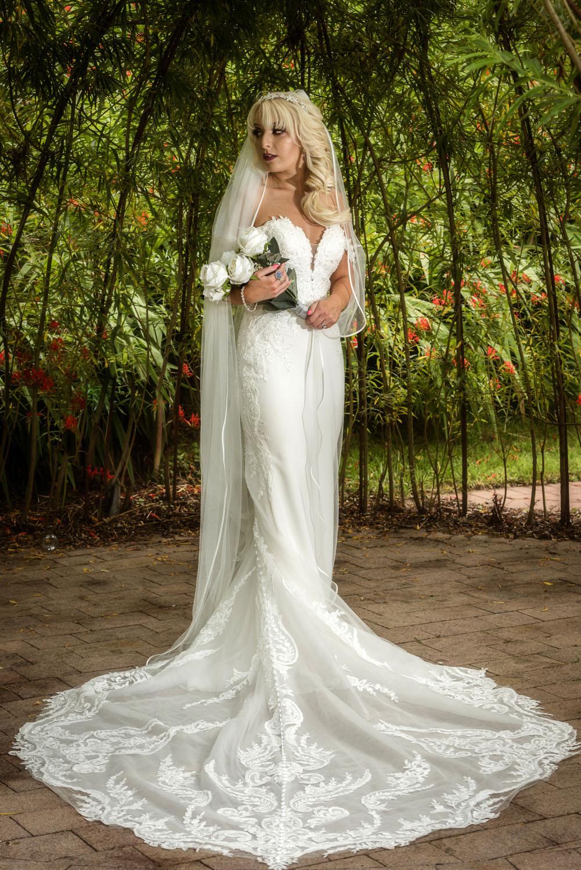 031_Bride-in-an-Irish-Garden
