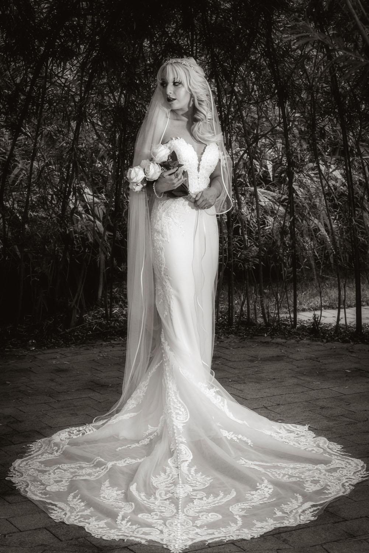 032_Bride-in-an-Irish-Garden