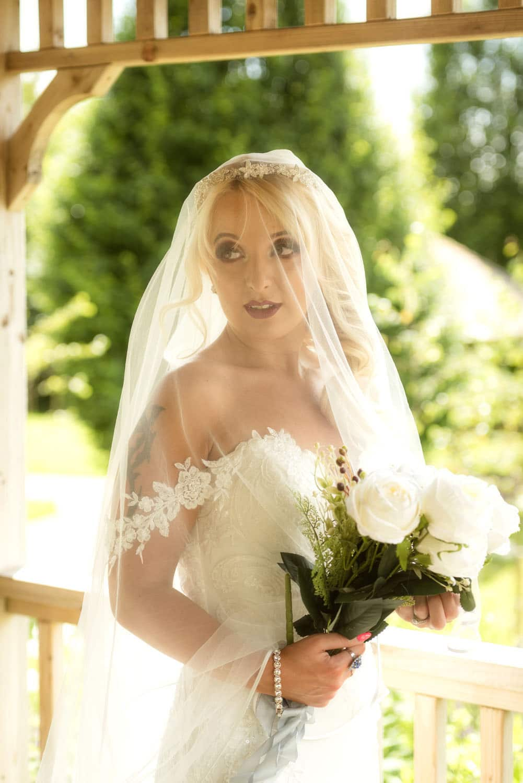 035_Bride-in-an-Irish-Garden