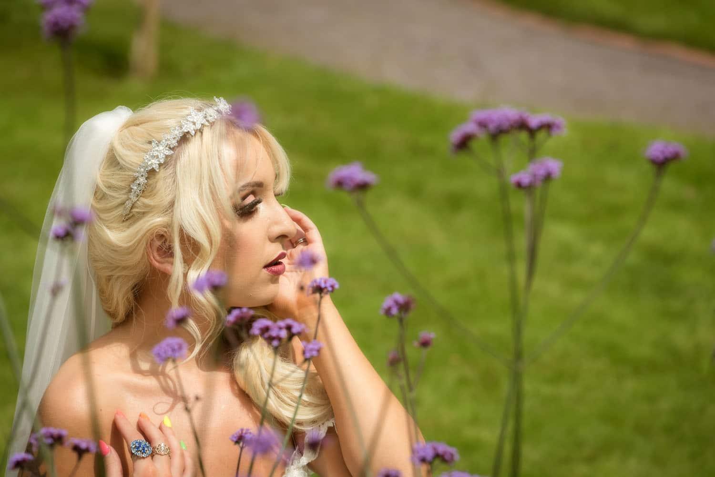 036_Bride-in-an-Irish-Garden