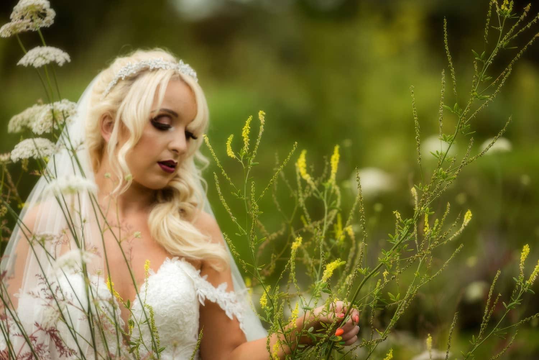 048_Bride-in-an-Irish-Garden