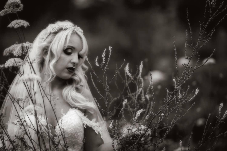049_Bride-in-an-Irish-Garden
