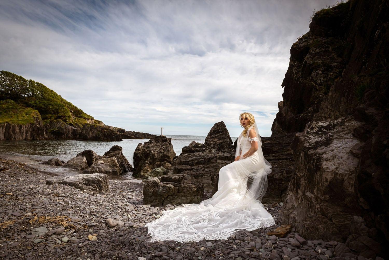 060_Bride-On-An-Irish-Beach