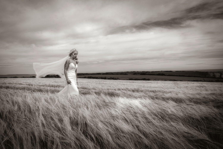 073_Bride-in-a-corn-field
